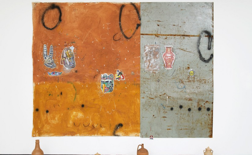 South landscape with gold and my memory about Northeast </br>acrylic, spray paint, brick pigment, pencil and pen on canvas and iron plate, with ceramic objects from Portugal, Bahia and São Paulo </br>218 x 288 cm </br>2016