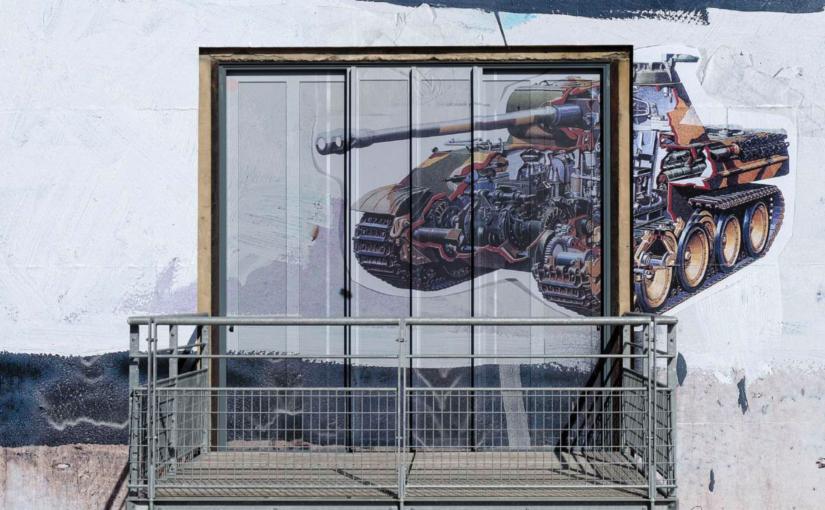 Paulo Nimer Pjota, Entre-temps…Brusquement, et ensuite, 12th Biennale de Lyon, Lyon, 2013